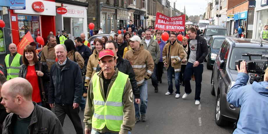 Protest march to Save Balmossie Fire Station, march through Broughty Ferry.