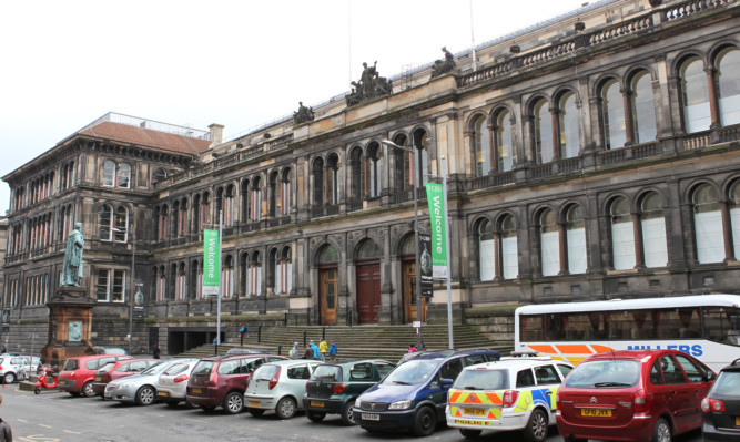 The National Museum of Scotland is being hit by a second day of strike action.