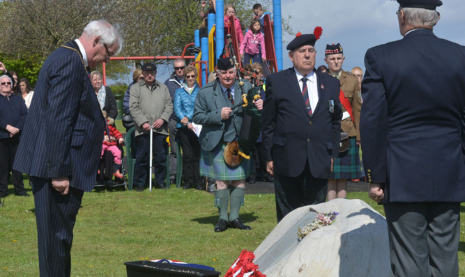 The ceremony to unveil the plaque to First World War hero David Finlay in Guardbridge.