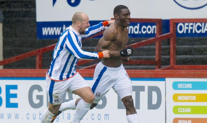 Kilmarnocks's Tope Obadeyi (right) celebrates his goal with team-mate Jamie Hamill.