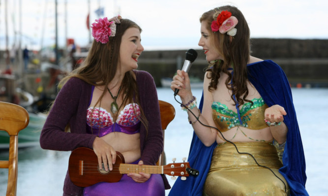 The Merlesque Mermaids entertaining the crowds.