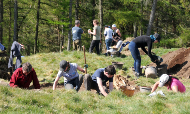 The dig under way on Moncreiffe Hill.