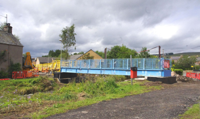 The new footbridge at Cairnleith Place in Alyth.
