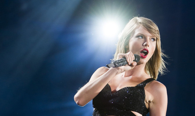 Top-selling recording star Taylor Swift may be packing her bags and heading to Scotland.