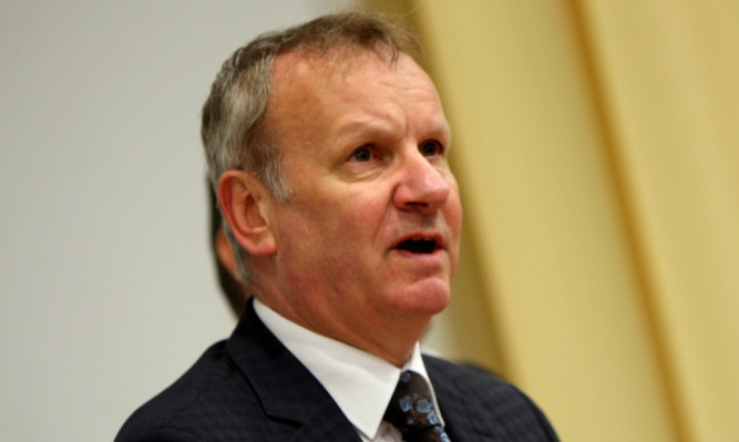 Pete Wishart questioned why Parliament has to break for a conference by a 'fringe party' like the Lib Dems.