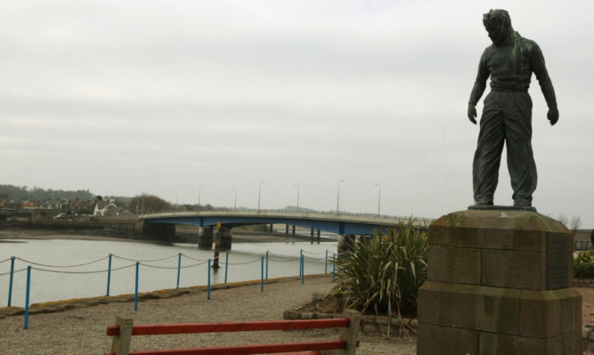 Montrose Bridge.