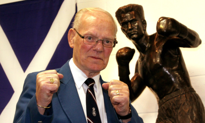 A statue of Dundee boxing legend Dick McTaggart  was recently unveiled at St Francis ABC Sporting Cub