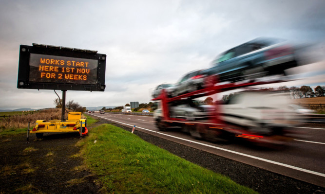 Drivers are facing more disruption on the M90.
