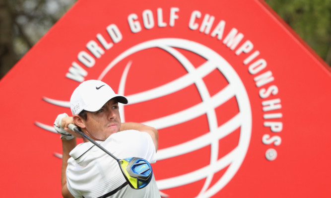Rory McIlroy will take a narrow lead into the DP World Tour Championship in a bid for a third Race to Dubai title.