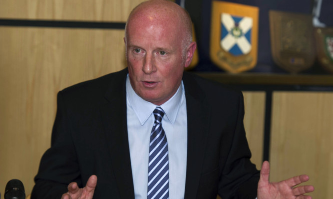 Peter Houston announces his Dundee United departure.