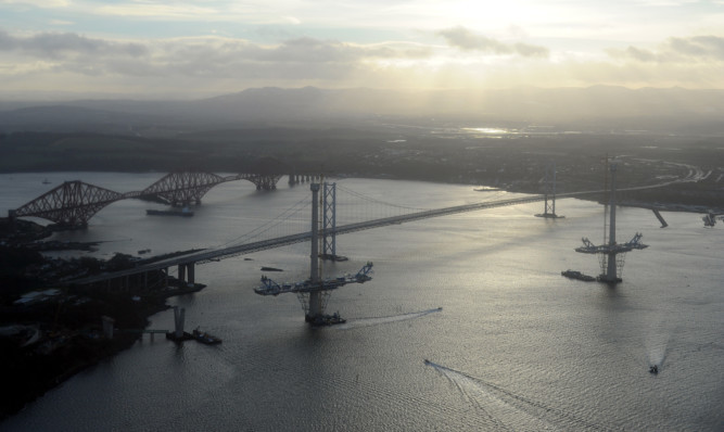 The Forth Road Bridge is to be completely closed until 2016.