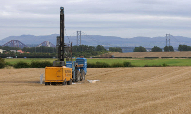 Test drilling for a Forth tunnel at Blackhall Farm, Rosyth, in 2007.
