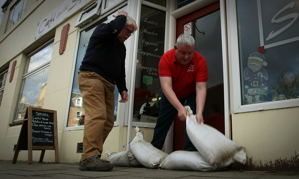 COURIER, DOUGIE NICOLSON, 29/12/15, NEWS.