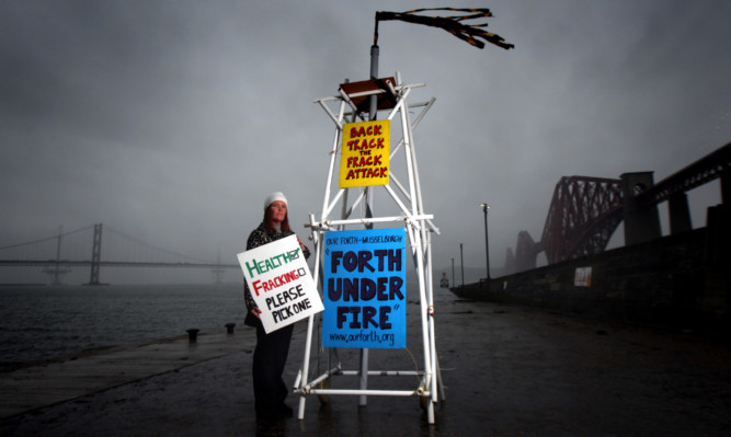 Protesters made their views clear on the Cluff UCG proposal for Kincardine at a Hands Across the Forth campaign event in October.