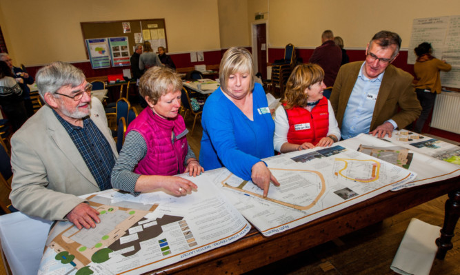 At the workshops are, from left, Councillor Alan Grant, Diane Cassidy of Perth and Kinross Council environment services, Alyth Community Council chairman Amanda Blakeman, Karen Inkster of Alyth Development Trust and PAS volunteer Ian Angus.