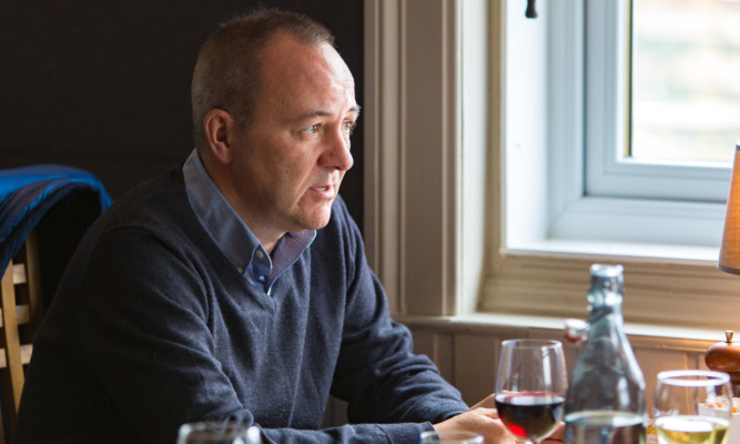 Mike Begg chatting over lunch at The View in Wormit.