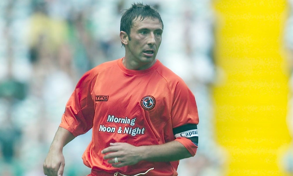 16/08/03 SPL CELTIC v DUNDEE UTD CELTIC PARK - GLASGOW Derek McInnes in action for Dundee Utd