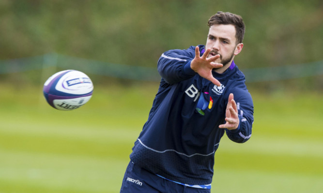 Alex Dunbar has been recalled ot the Scotland team for the 6 Nations meeting with France.