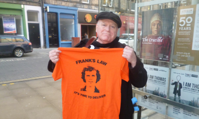 Game of Thrones actor Ron Donachie shows off his T-shirt in support of the campaign for Franks Law.