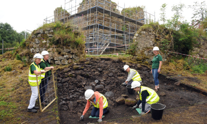 Volunteers involved in the dig at Lochore Meadows Country Park.