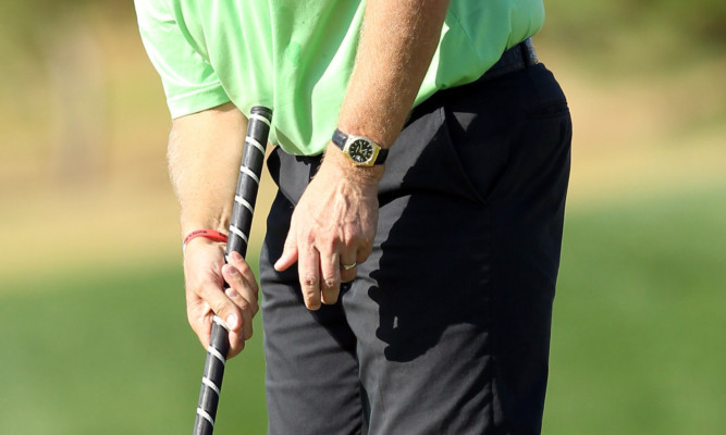Anchoring putters will be banned from 2016.