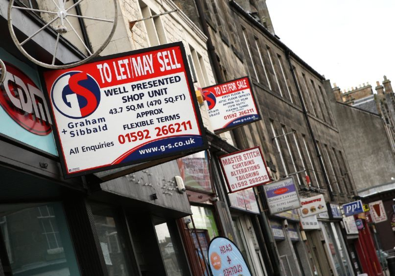 To Let shop units on Kirkcaldy High Street in 2016