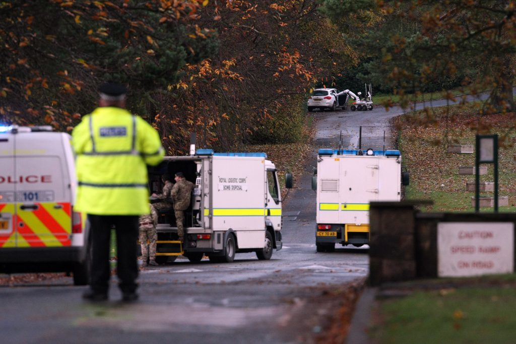Kris Miller, Courier, 11/11/15. Picture today at police incident after an apparent attempted robbery at Bank of Scotland in Kirkcaldy. Pic shows Royal Logistics Corps, Bomb Disposal team with a remote robot investigating a white Vauxhall Astra.