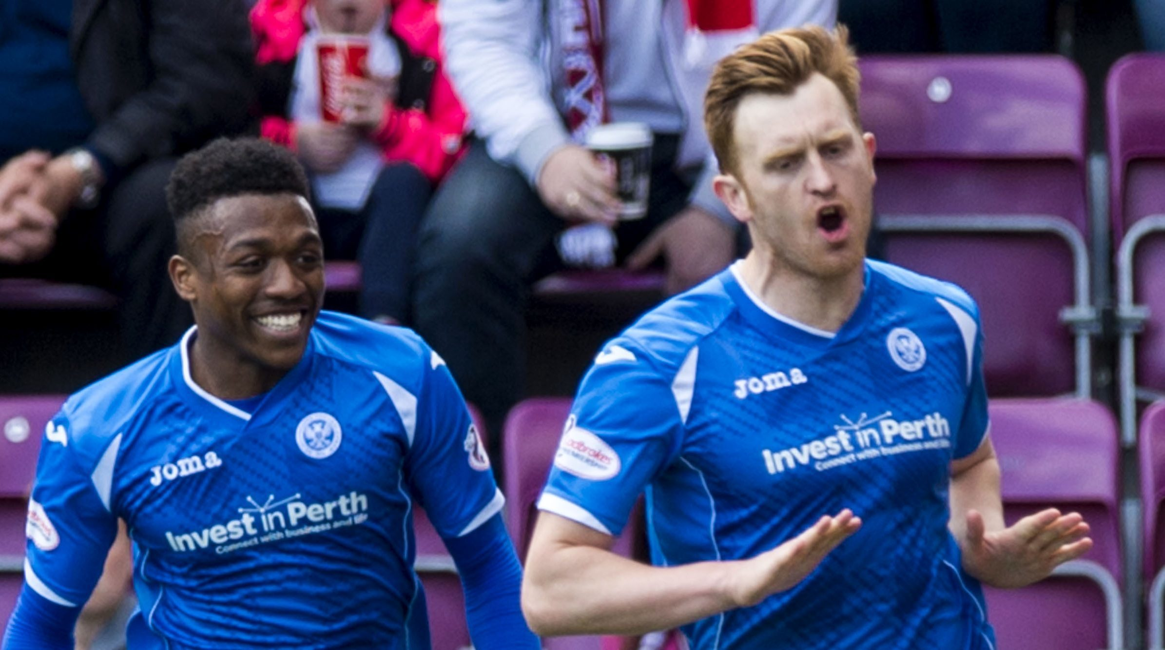 St Johnstone's Liam Craig celebrates his goal.