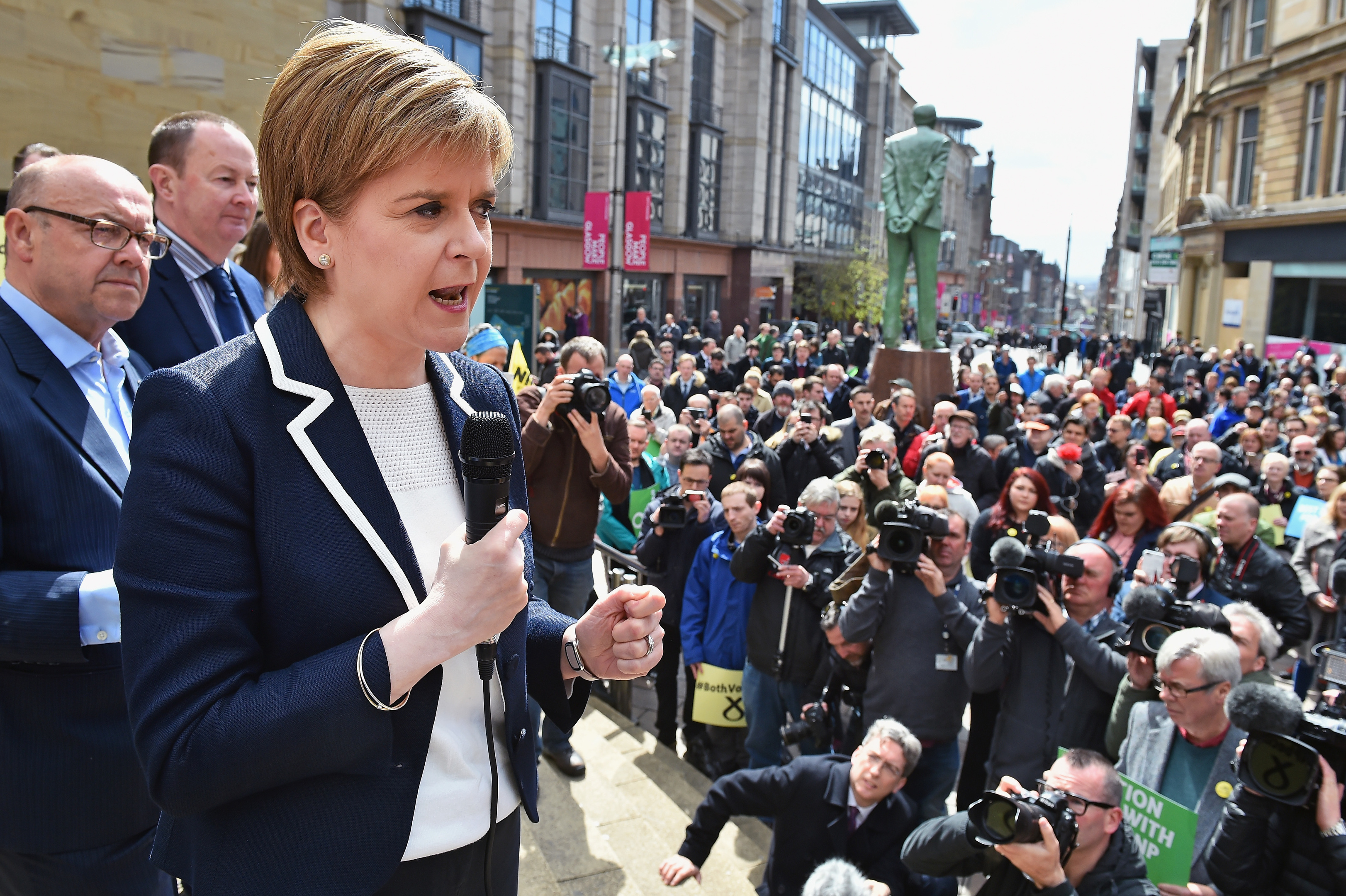 Nicola Sturgeon holds her final party rally in  Glasgow.