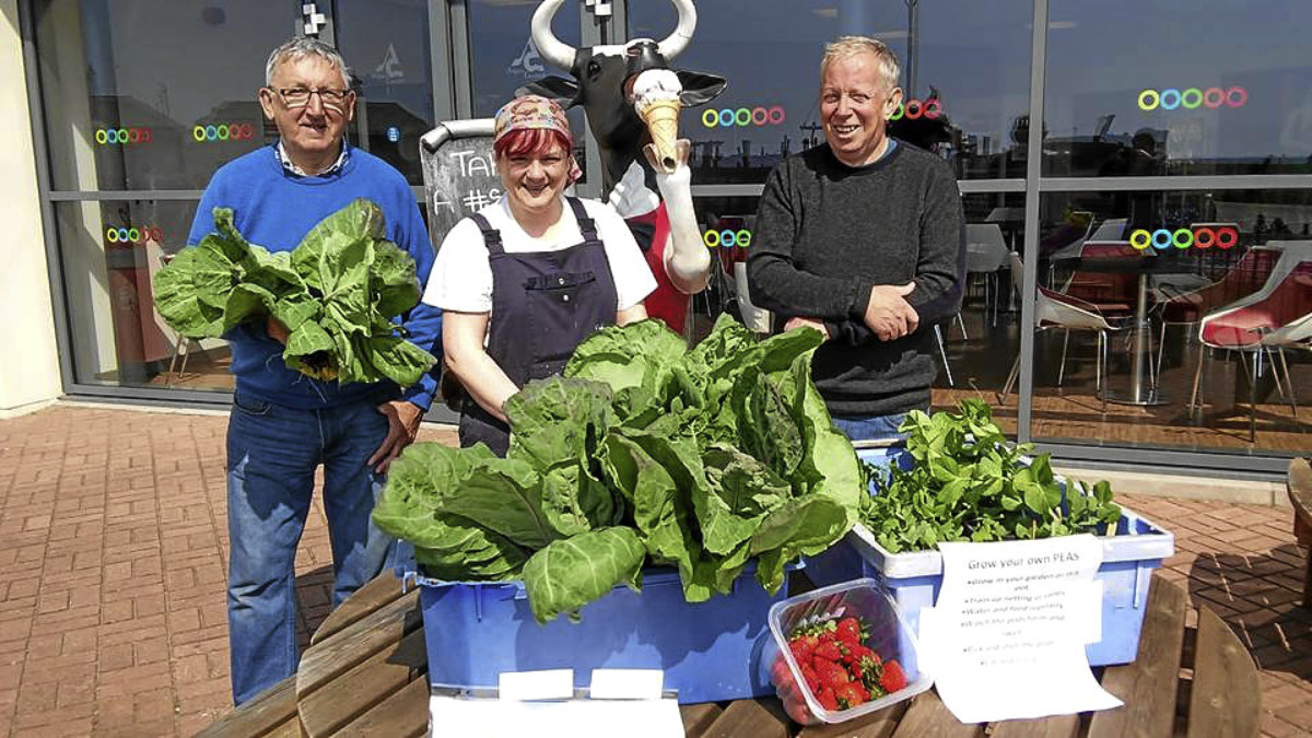 Giving away food in Carnoustie was (from left) Ed Oswald, Colourful Carnoustie; Libby McAinsh, Food Is Free Carnoustie and Alec Edwards, Colourful Carnoustie.