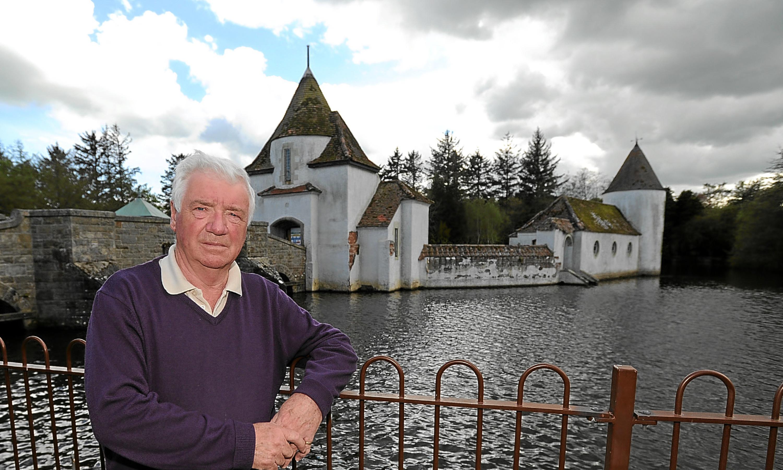 Kyffin Roberts at Craigtoun Park's Dutch Village.