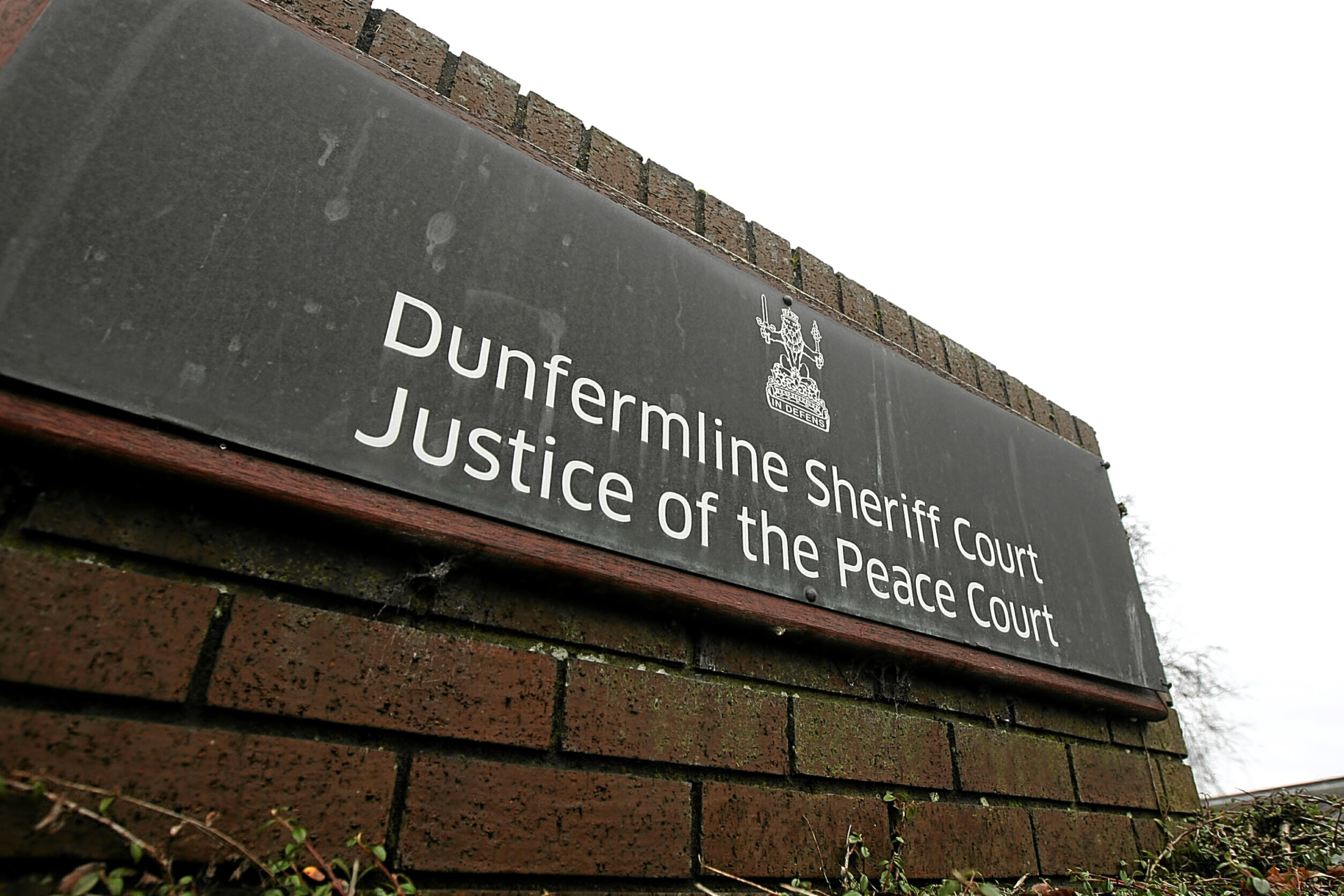 COURIER, DOUGIE NICOLSON, 02/01/16, NEWS. FOR FILES. Pic shows Dunfermline Sheriff Court today, Saturday 2nd January 2016.