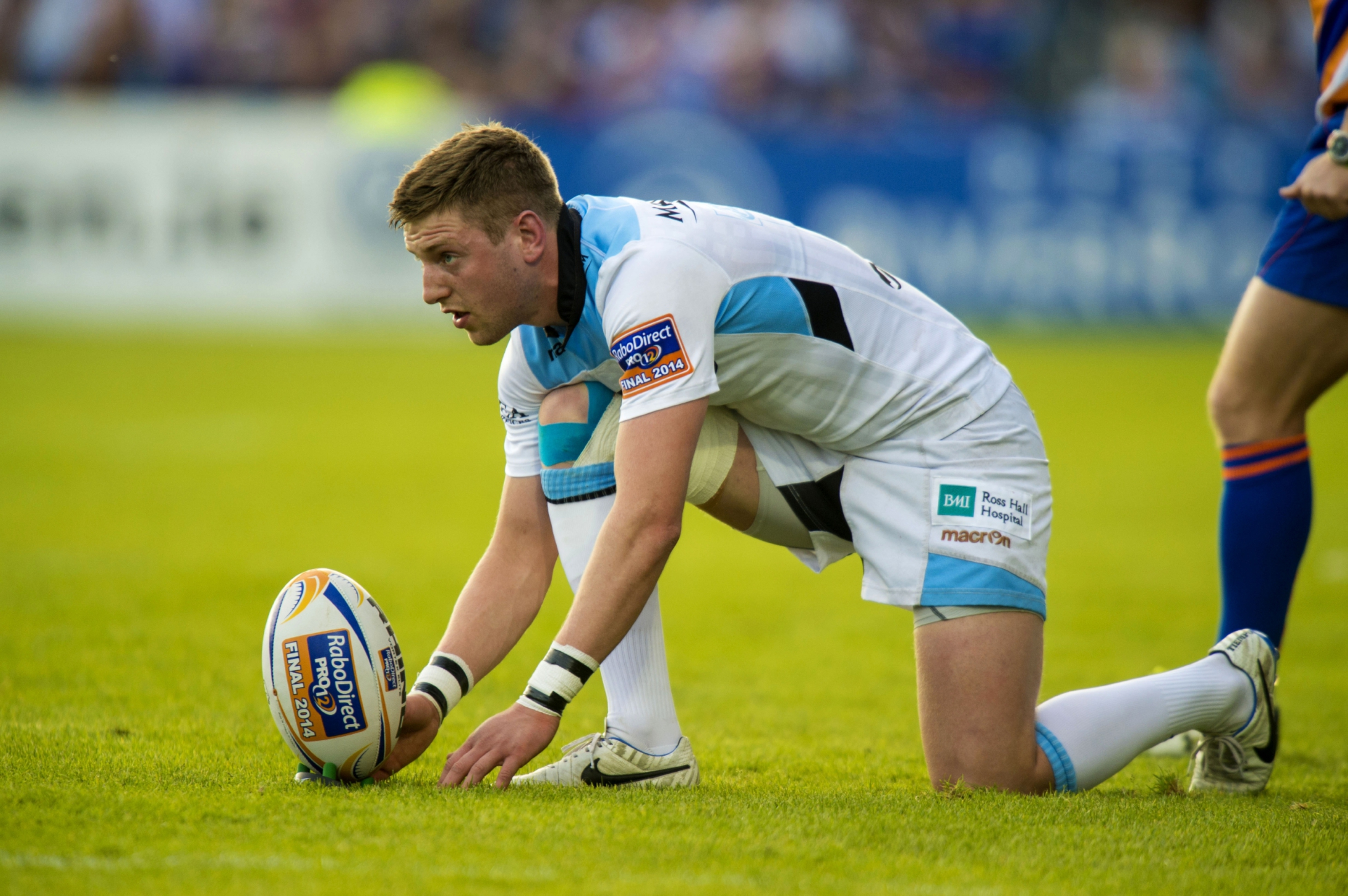 Finn Russell has restarted contact training and is only a few weeks away from returning for Glasgow.