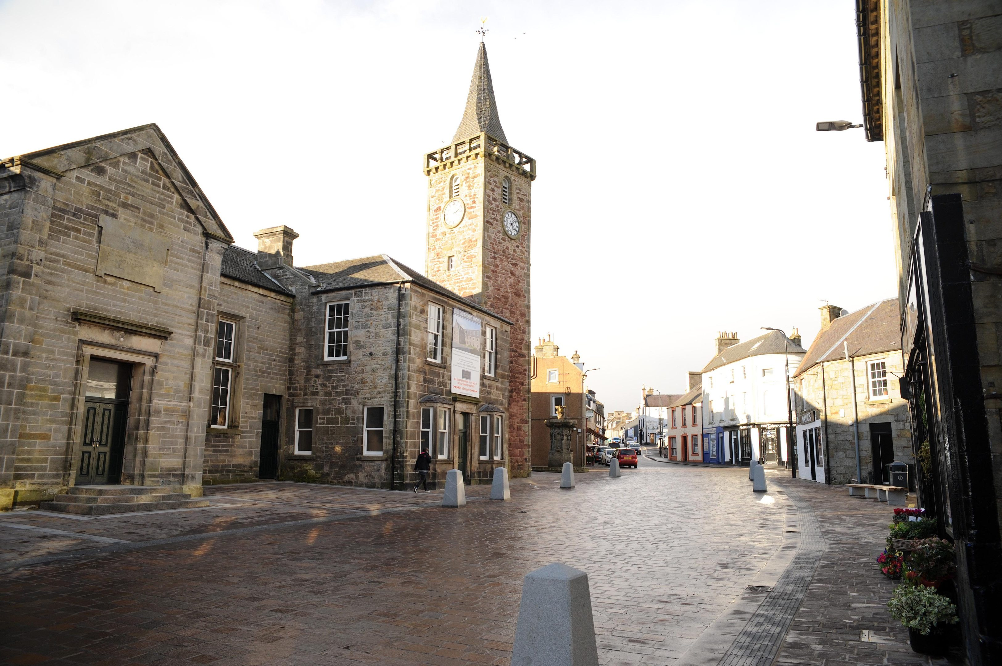 Kinross High Street.