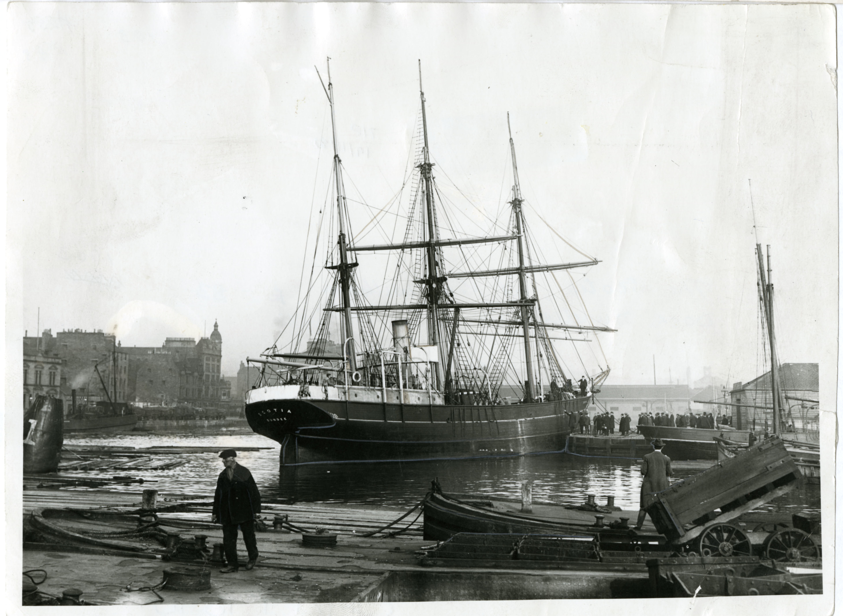 The whaling ship Scotia at King William Dock, Dundee, at the turn of the 19th Century.