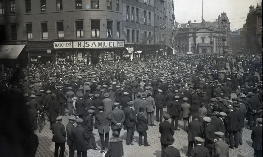 Workers mass in Dundee city centre during the General Strike of 1926
