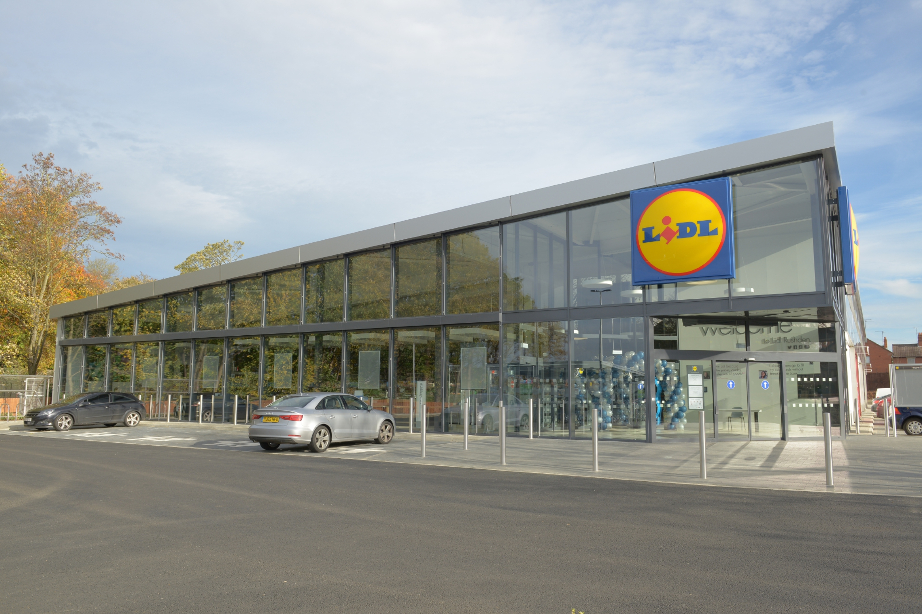 What the new store in Kirkcaldy will look like.   Lidl UK | new concept store 2015