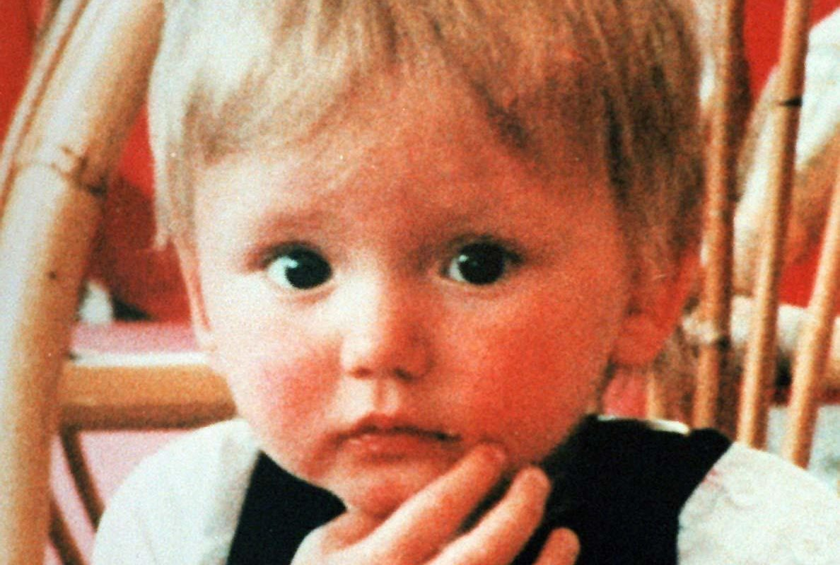 A team of British police officers is heading for the Greek island of Kos to look for new witnesses in the search for Ben Needham.