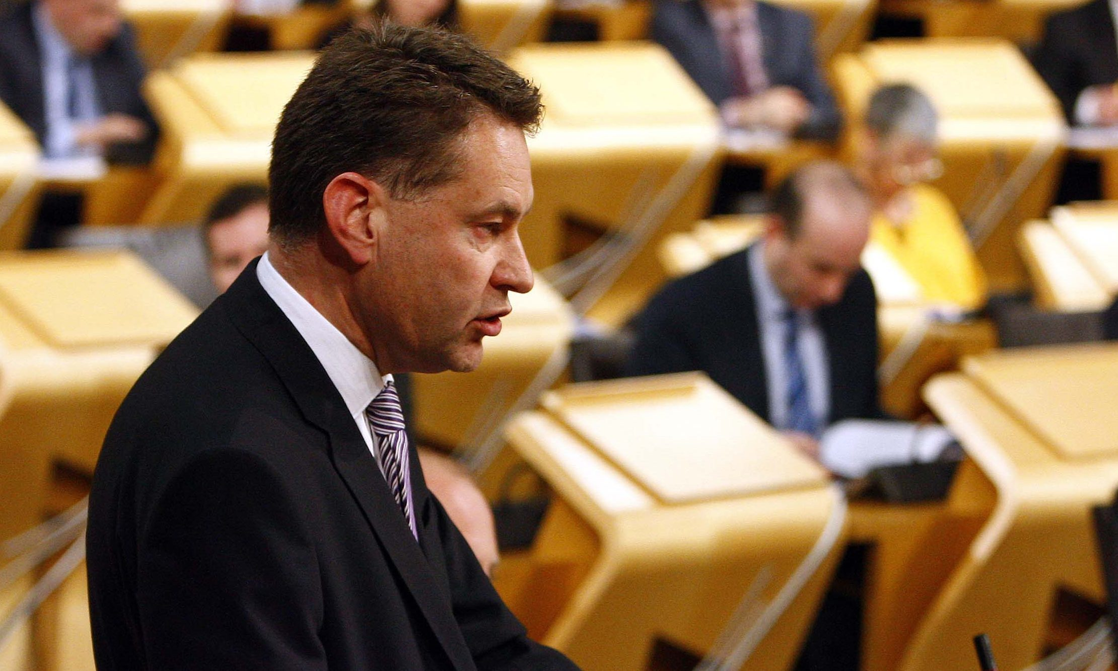 Murdo Fraser addresses the Scottish Parliament