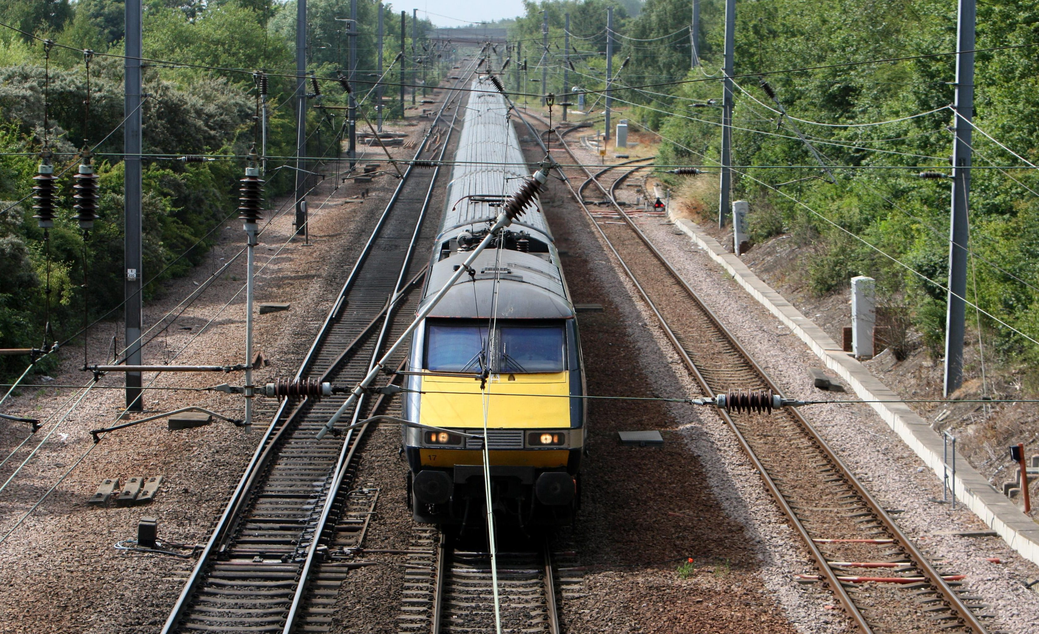 The 10-year deal allows the company to operate services between Edinburgh and London.