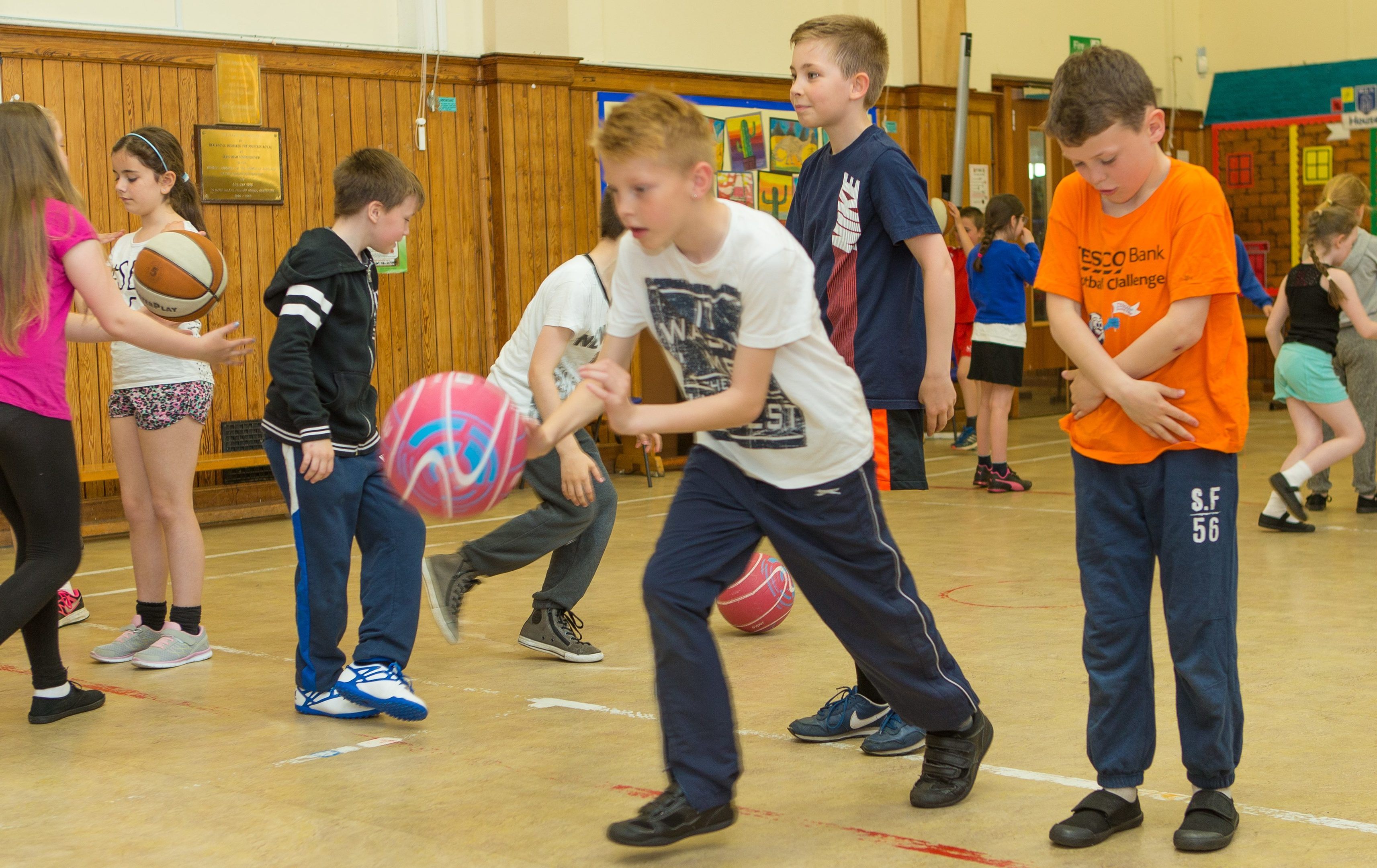 Kids from McLean Primary School in Dunfermline take part in the Active School 1 Mile A Day project to aid Better Movement and Thinkers as part of their PE Lesson to develop physical literacy for improved classroom attainment.