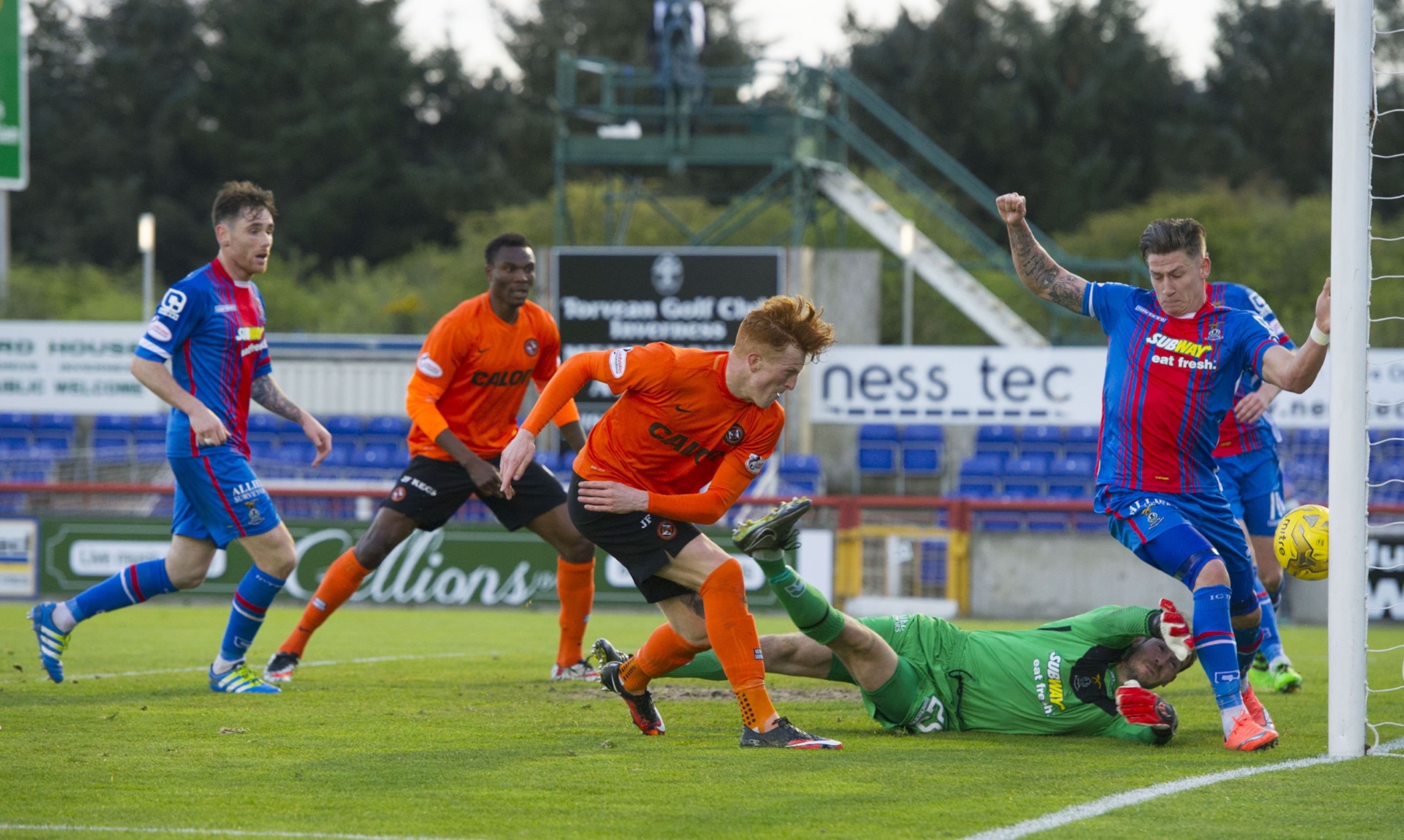 Simon Murray scores his second goal for United against Inverness.