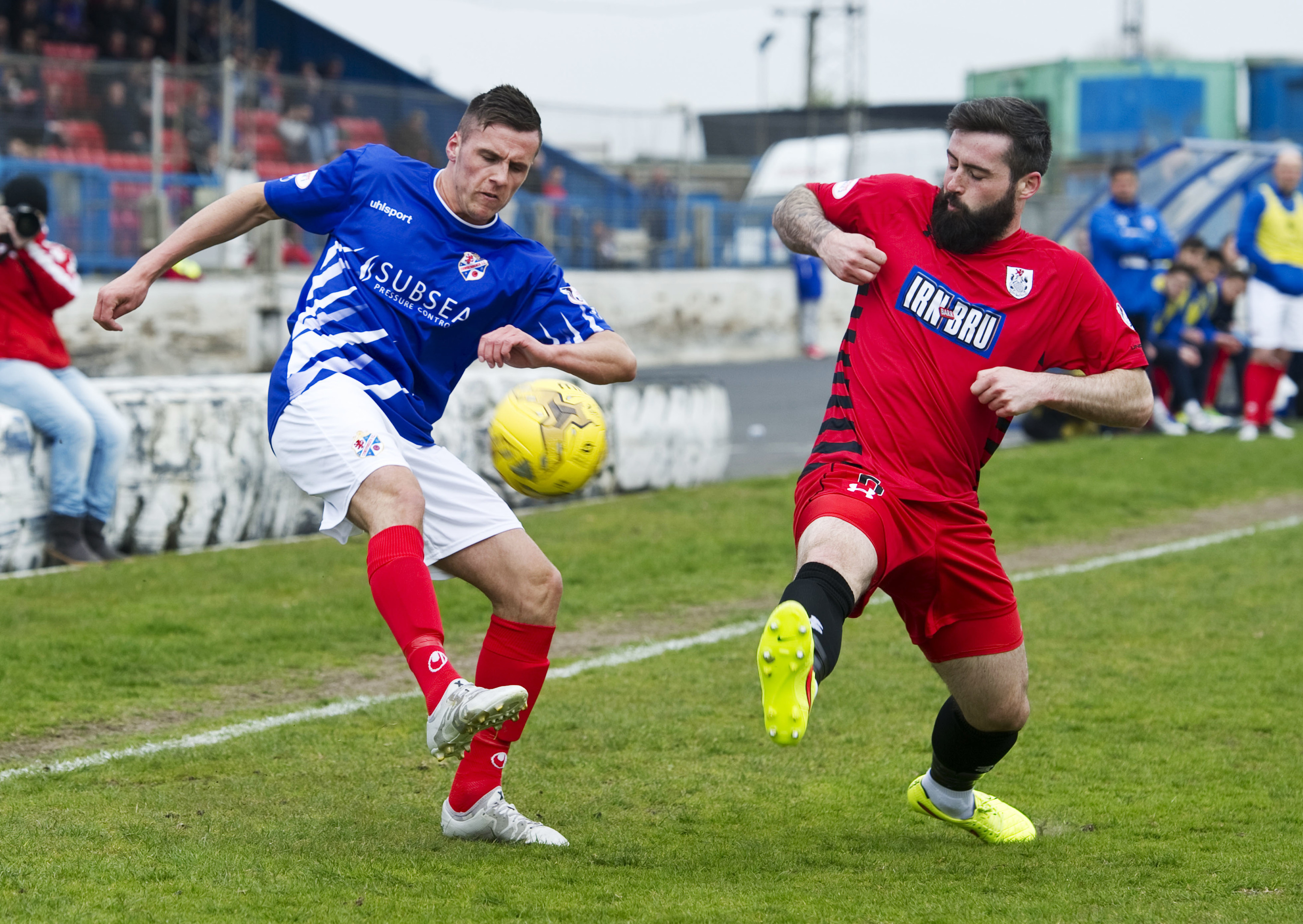 Cowdenbeath's Craig Johnstone (left) and Bryan Wharton of Queens Park. Seaon tickets for The Blue Brazil are the cheapest in Courier Country!