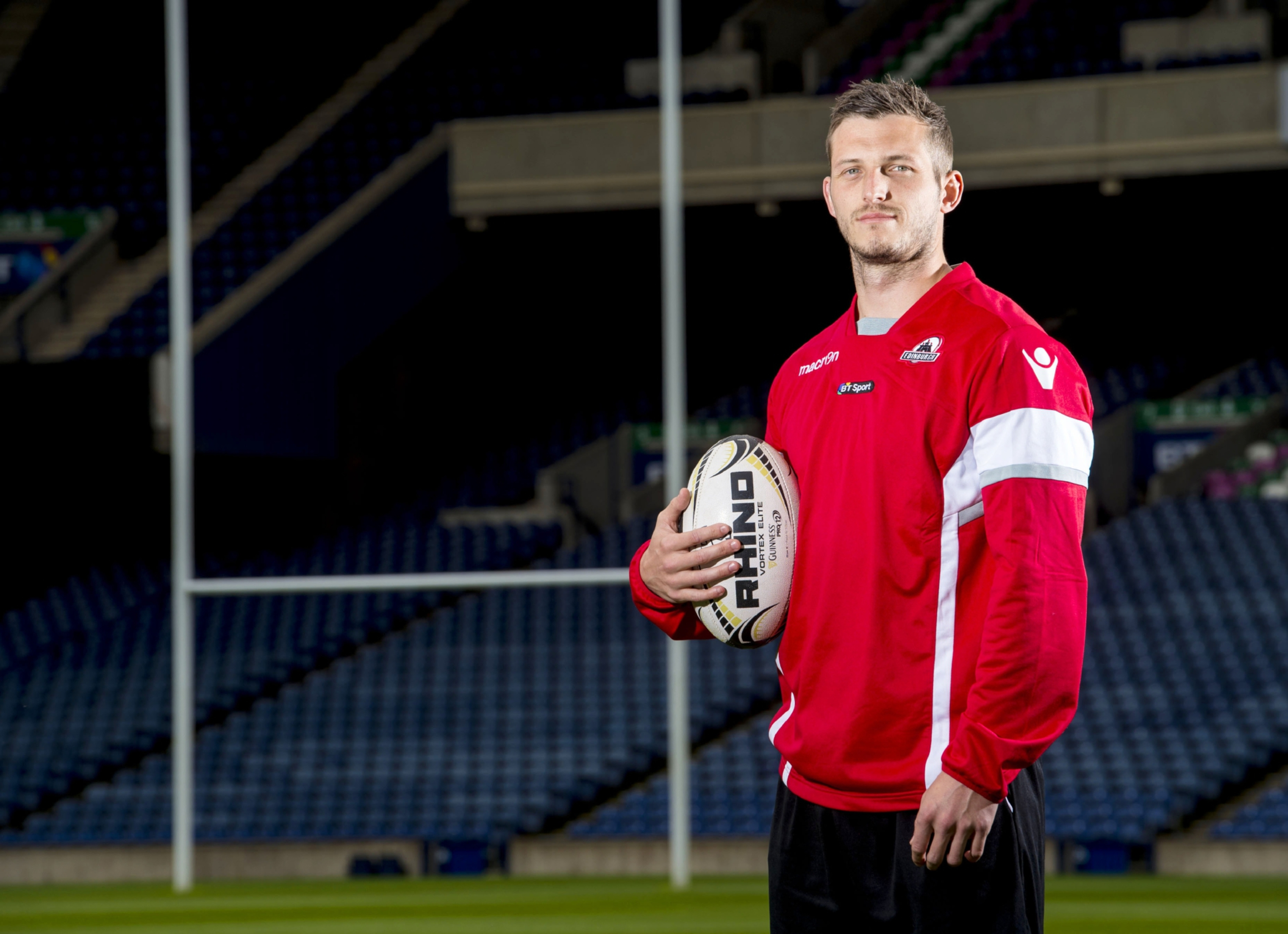 Jason Tovey has signed for two more years after a successful loan period at Edinburgh.