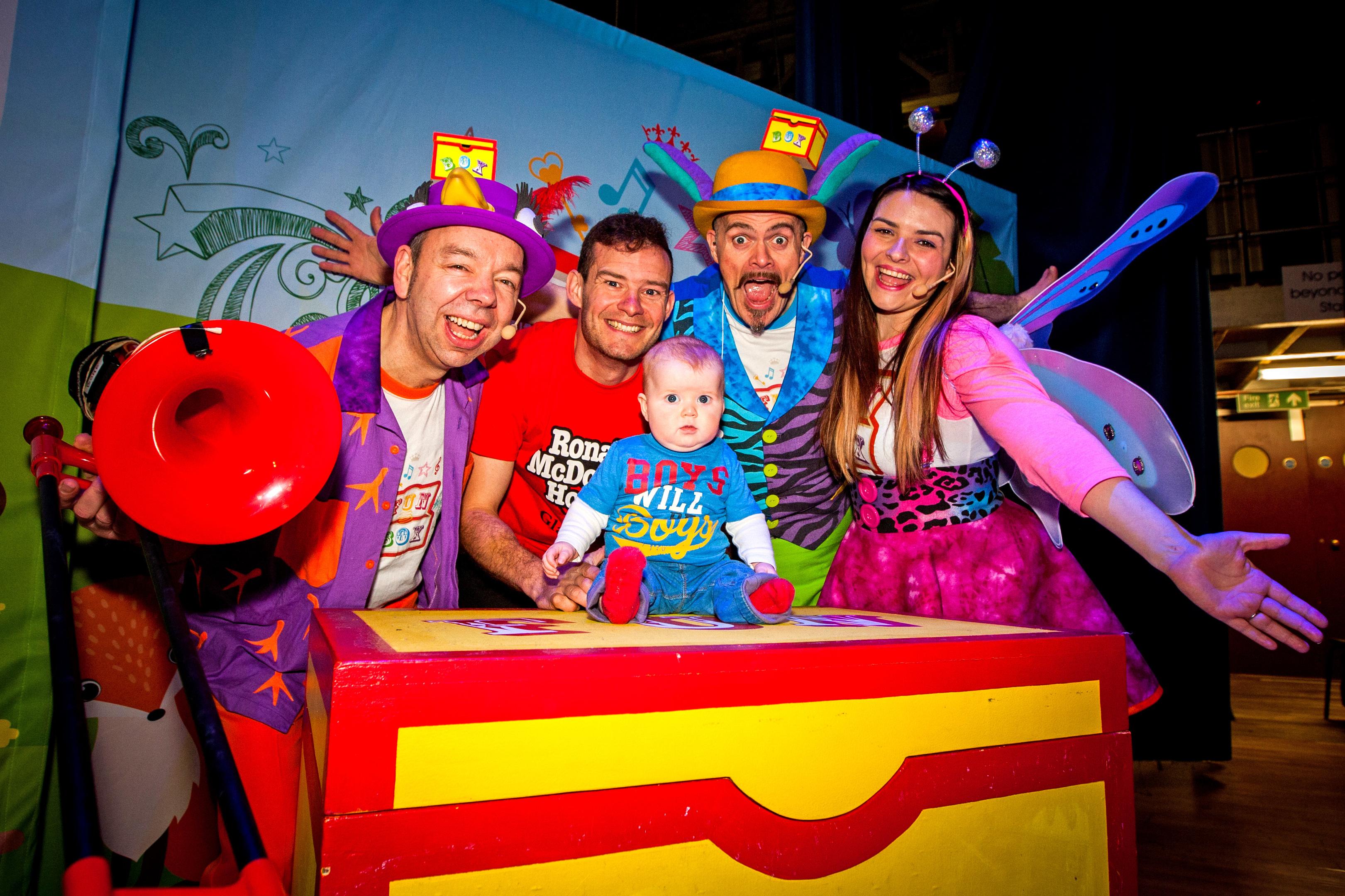 Kerr Flanigan  alongside the cast from FUNBOX .