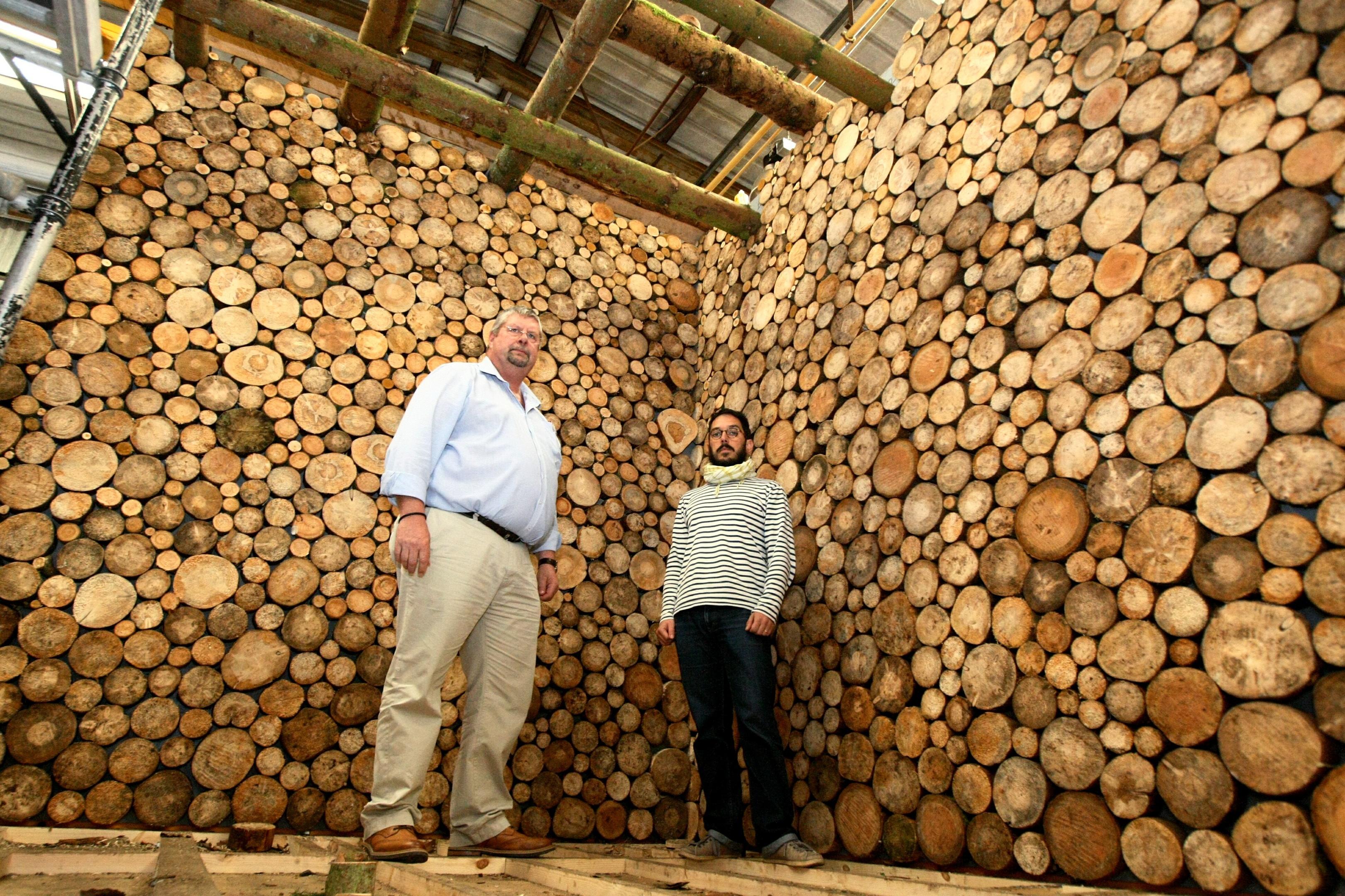 From left: Architect Doug Reid and Maurizio Mucciola of Kengo Kuma Associates.
