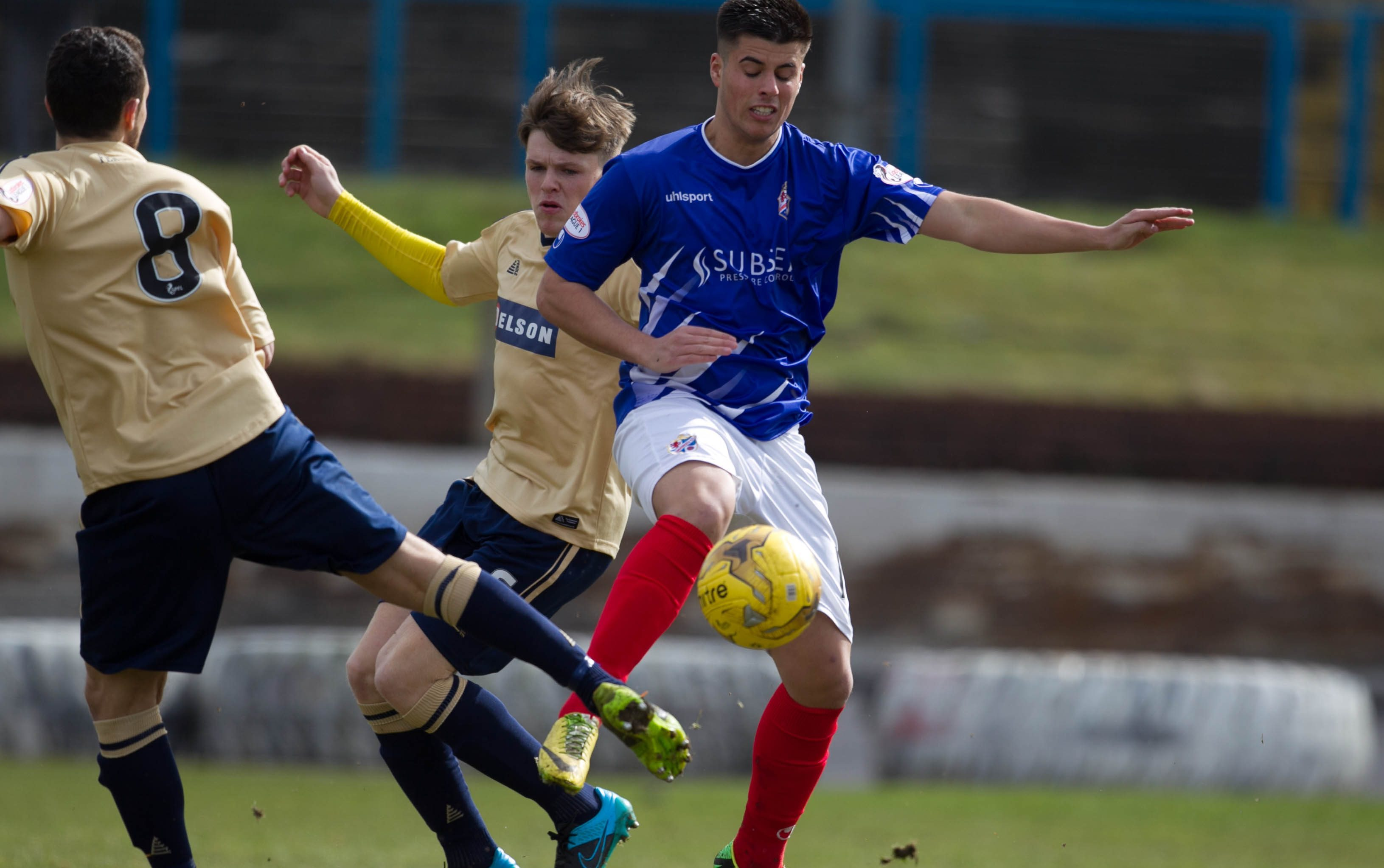 Lewis Milne in action for Cowdenbeath.