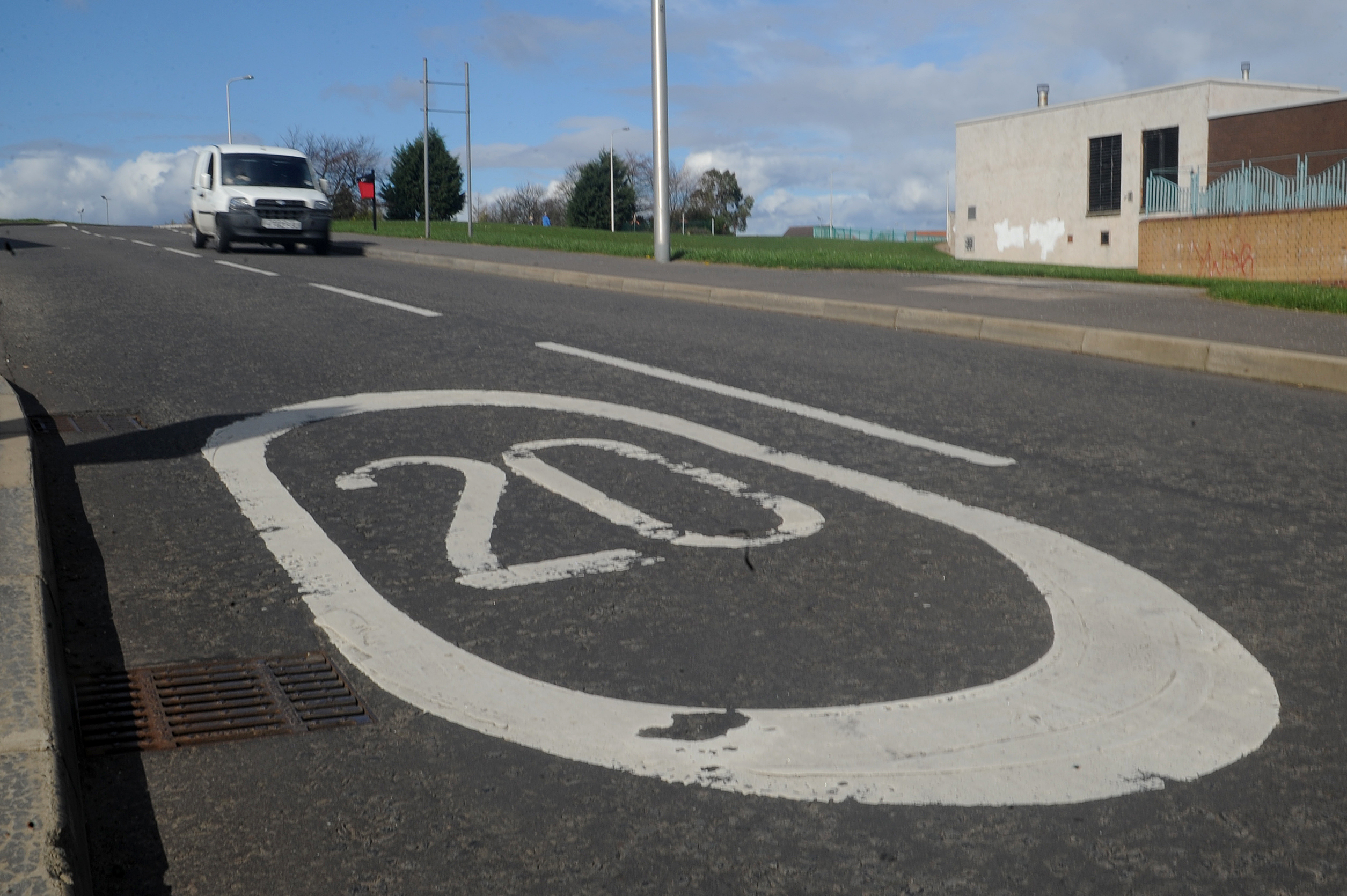 A 20mph speed limit on Lothian Crescent in Dundee.