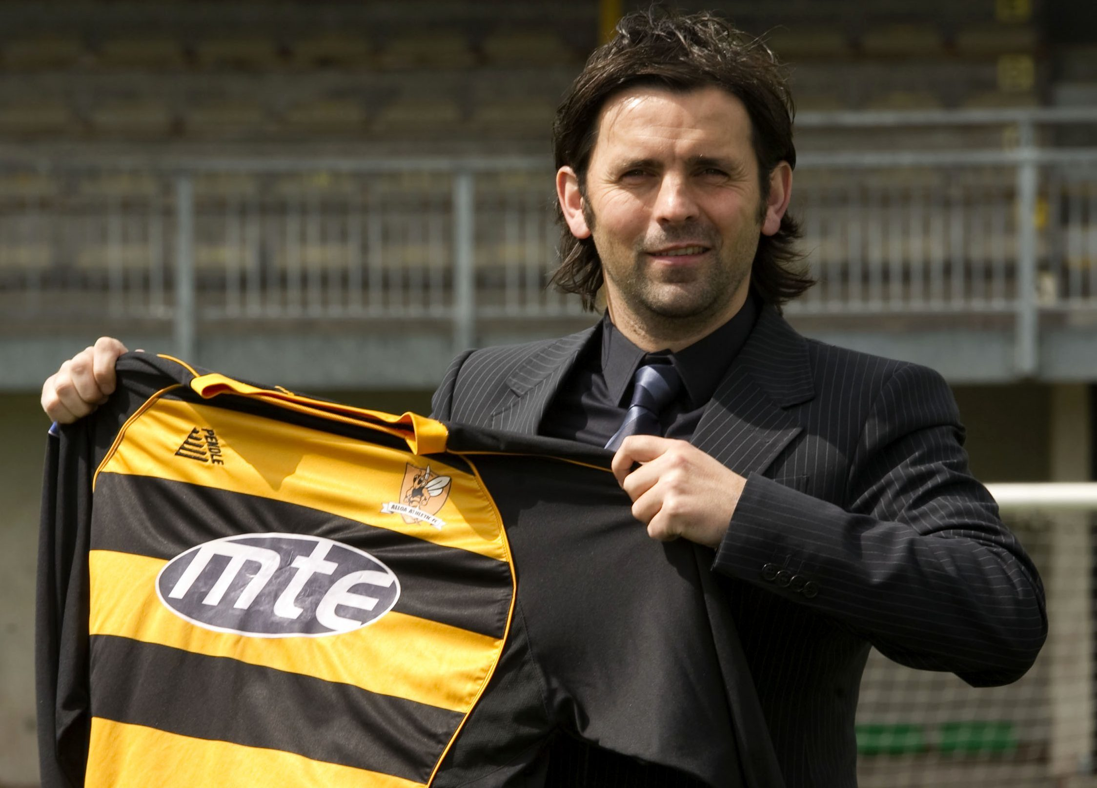 Paul Hartley starting out with Alloa.