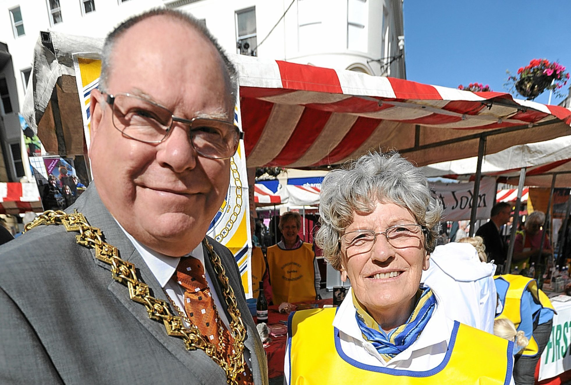 Lord Provost Bob Duncan and Prue Watson.